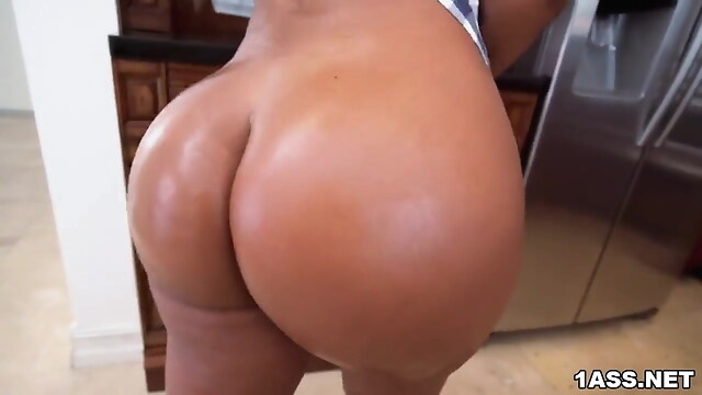 Tube Sex  - Voluptuous Rose Monroe dicked down in the kitchen blowjob