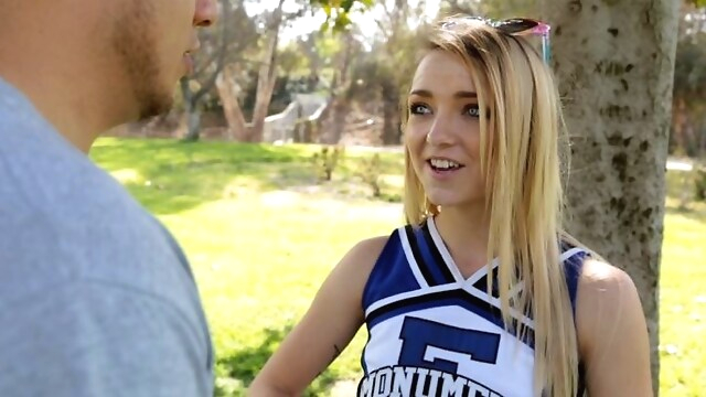 Tube Sex  - Petite High School Cheerleader Fucks Guy From Craigslist blowjob