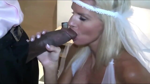 Tube Sex  - Bride Gets BBC Fucked blowjob