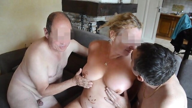 Tube Sex  - M Chris deguste la bourgeoise blowjob