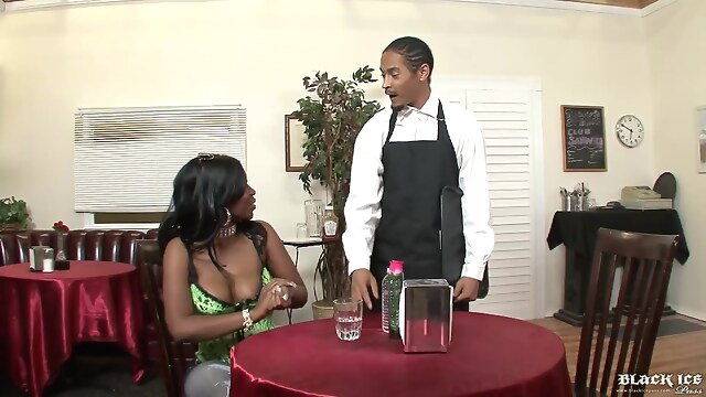 Tube Sex  - Chocolate Busty Ebony Gets Fucked In Restaurant big cock