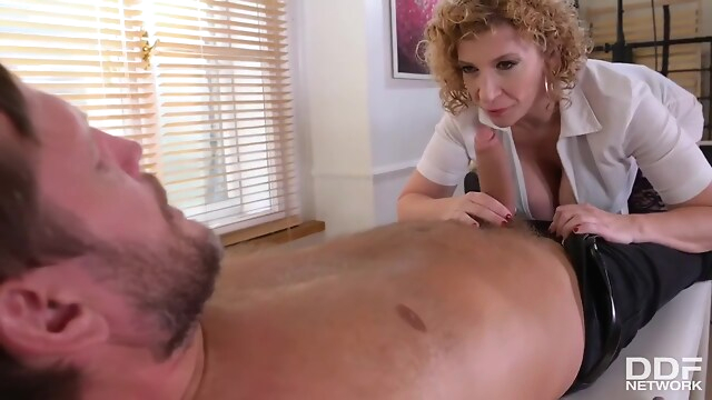 Tube Sex  - Nurse Sjs Relax Treatment With Sara Jay blonde
