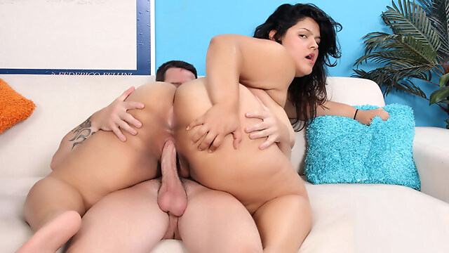 Tube Sex  - Chunky Latina Enjoys a Cock - BBWHunter big tits