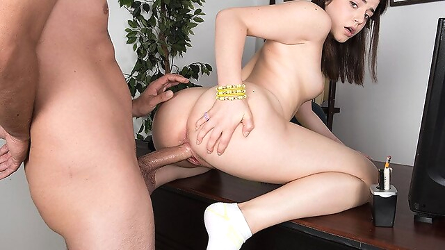Tube Sex  - Kylie Gives A Fuck - Kylie Quinn and Jimmy Dix - 18eighteen office