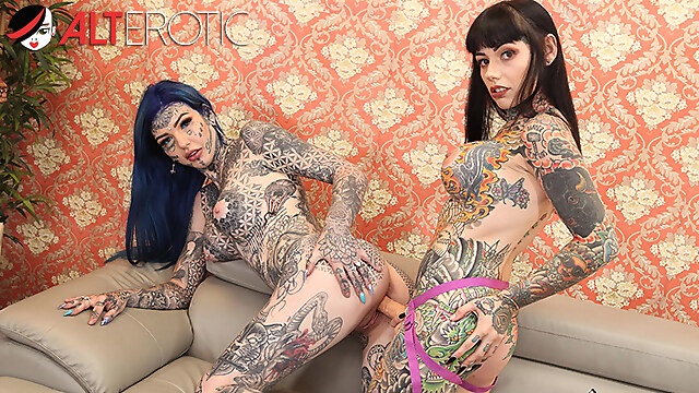 Tube Sex  - Tattooed babes Amber Luke & Tiger Lilly play with toys lesbian