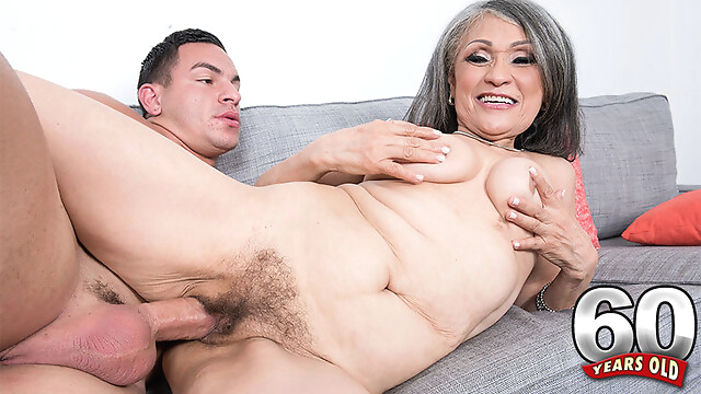Tube Sex  - Kokie Loves 'em Young - Kokie Del Coco And Peter Green - 60PlusMilfs hairy