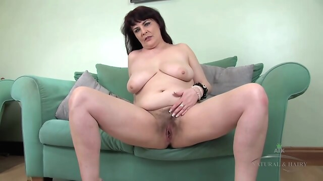 Tube Sex  - Hairy Christina 2 brunette