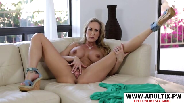 Tube Sex  - Chesty Step-mom Brandi Love Gives Handjob Cool Young Step Son big tits